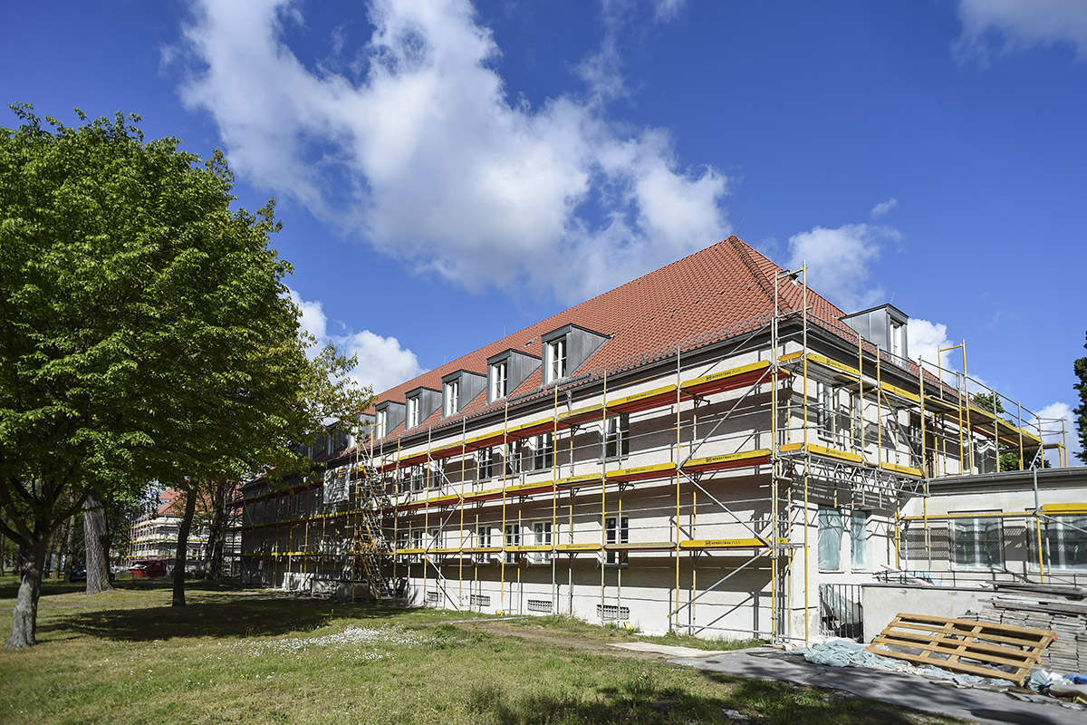 Julius-Leber-Kaserne